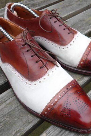 Two Tone White Burgundy Brogue Cap Toe Laces Fashionable Men's Real Handcrafted Shoes